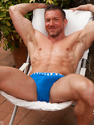Muscle mature hunk naked - Tomas Brand