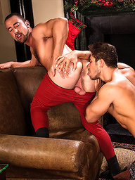 Dato Foland And Donnie Dean Have Oral Sex