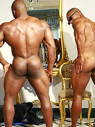 Straight Bodybuilder Tricked Into Getting Naked